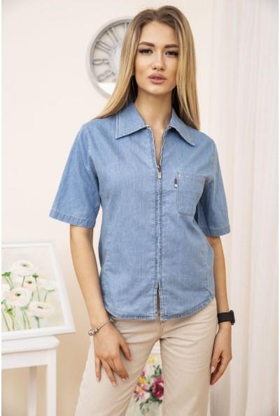 Рубашка женская голубая джинсовая с короткими рукавами и карманами на груди 123R1916
