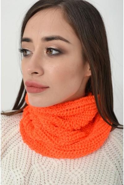 Вязаный женский хомут оранжевого цвета 103R066 15973