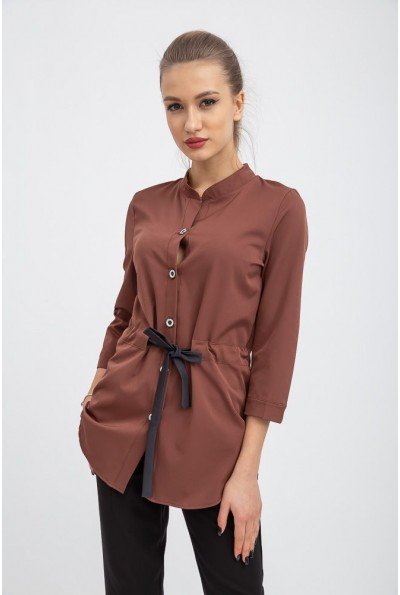 Блуза воротник стойка, приталенная на шнурке, рукав три четверти 112R473 Коричневая