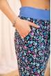 Летние хлопковые штаны с цветочным принтом цвет Синий 172R63-1 скидка