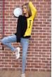 Свитшот женский  цвет черно-желтый 102R218 недорого